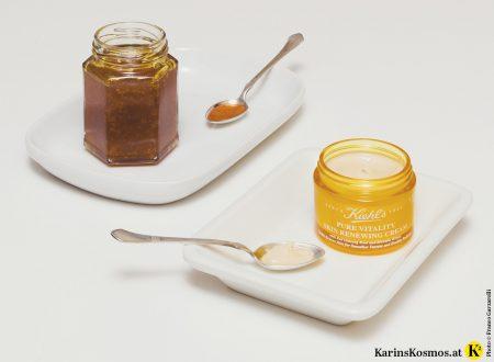 Produktfoto von Honig und Cremetiegel.