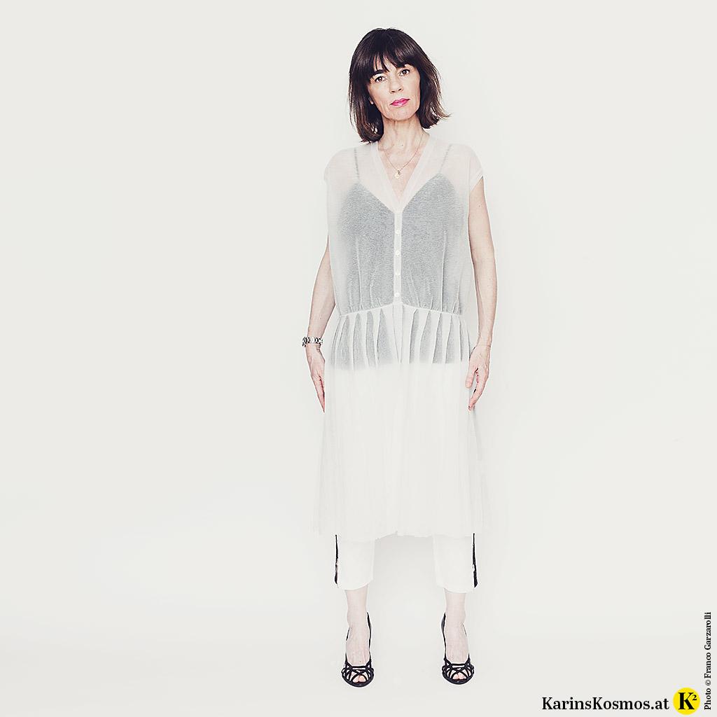 Ein transparentes Kleid, doppelter Spaß