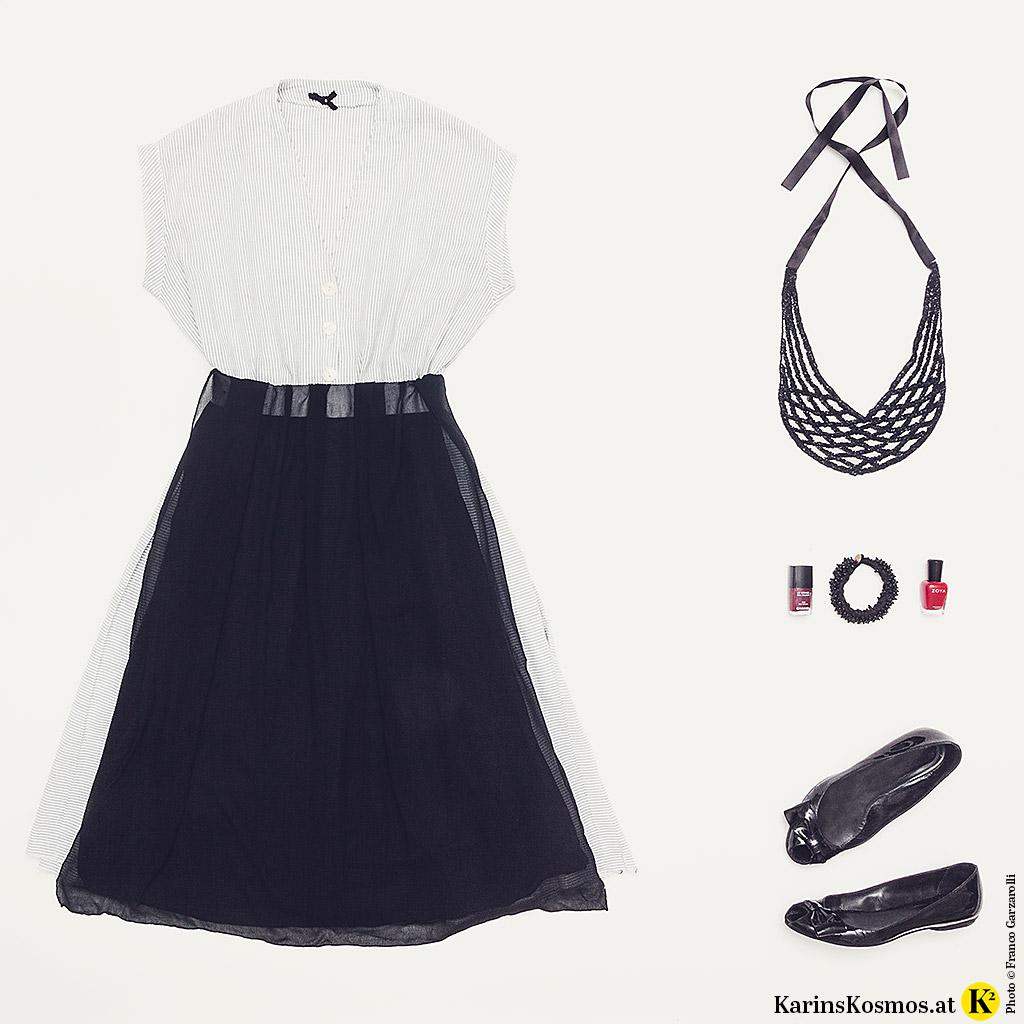 Tracht anders kombiniert aus einem Sommerkleid, Seidentuch als Schürze und Accessoires.