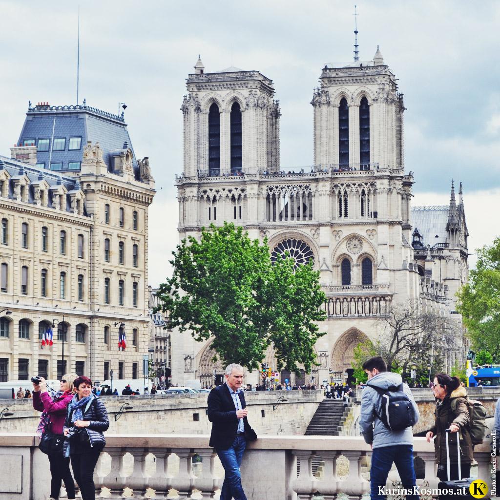 Die Kathedrale Notre Dame in Paris ist wahrlich sehenswert.