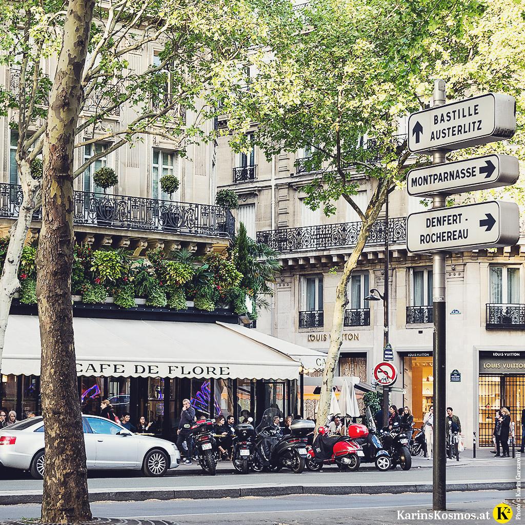Vom Café Louise in Paris hat man einen guten Ausblick auf das Café de Flore.