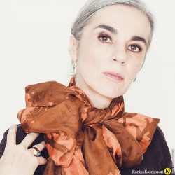 Karin Garzarolli mit Smokey Eyes in Farbe.